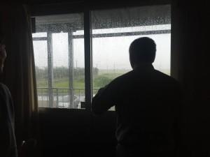 2016.08.30「JVオフィスー台風10号最接近中(出るタイミングを伺っている)ー」